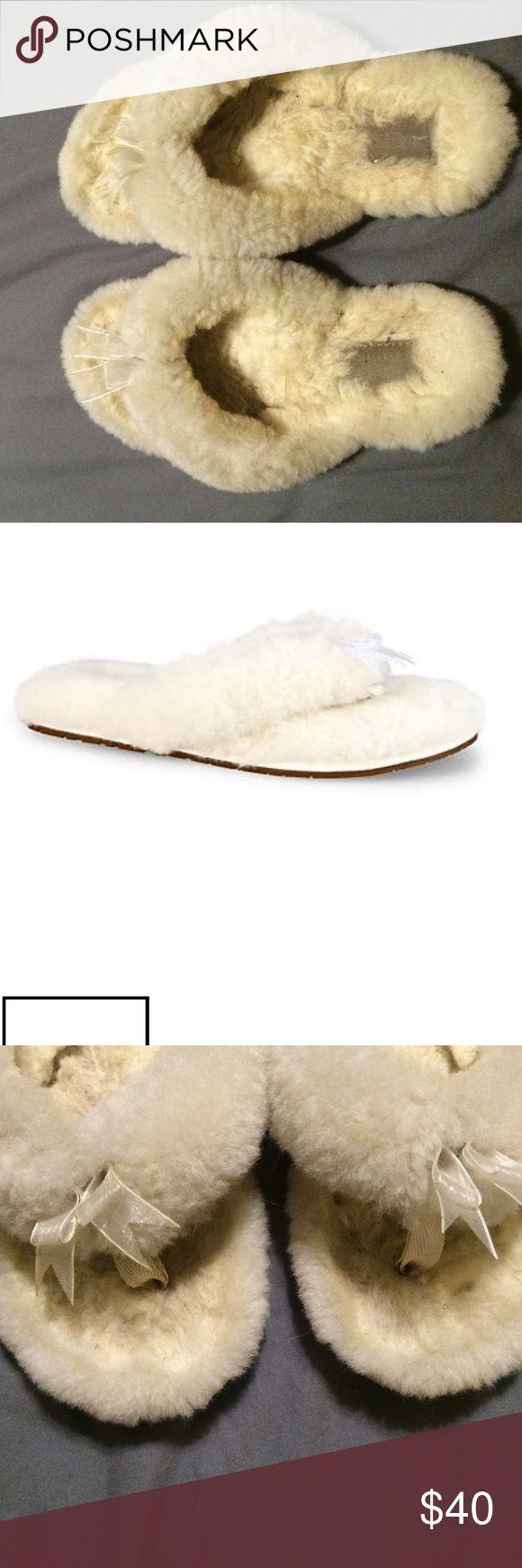 Ugg slipper flip flops Gently used ugg womens cream flip flop slippers UGG Shoes Slippers