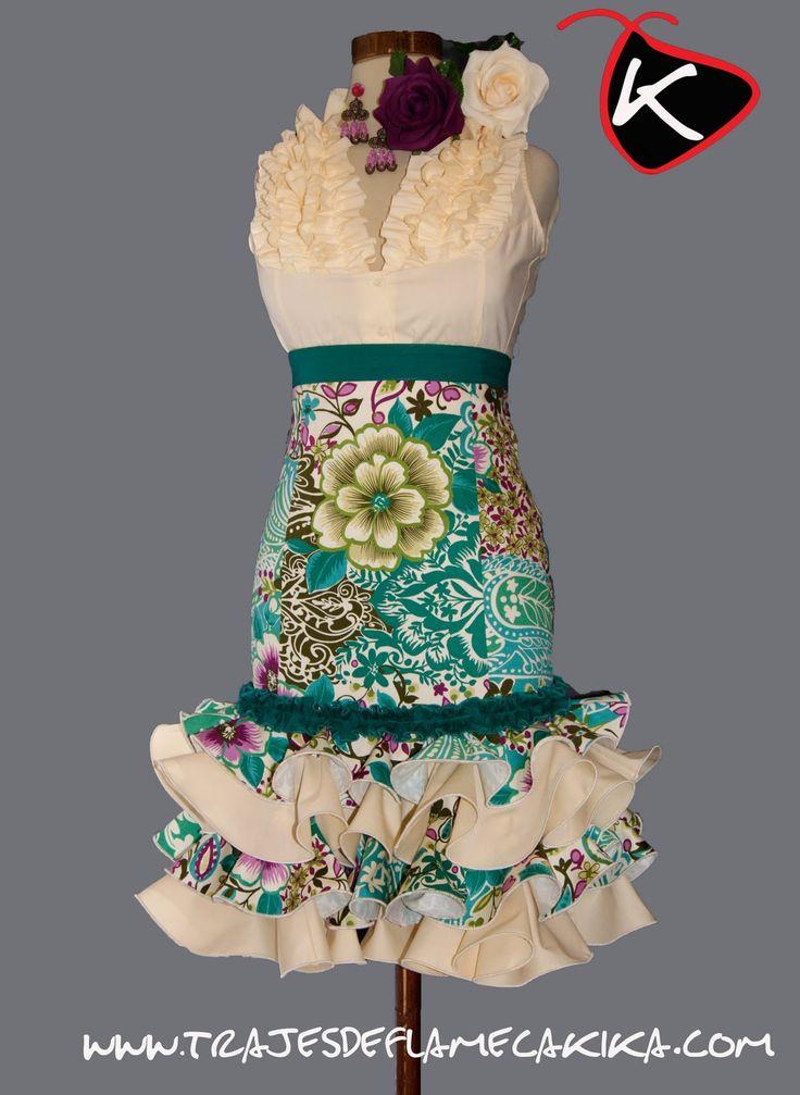 I will learn to dance in this! ;) TRAJES DE FLAMENCA KIKA: Falda alta corta con motivos florales y cachemir en tonos beige y verde