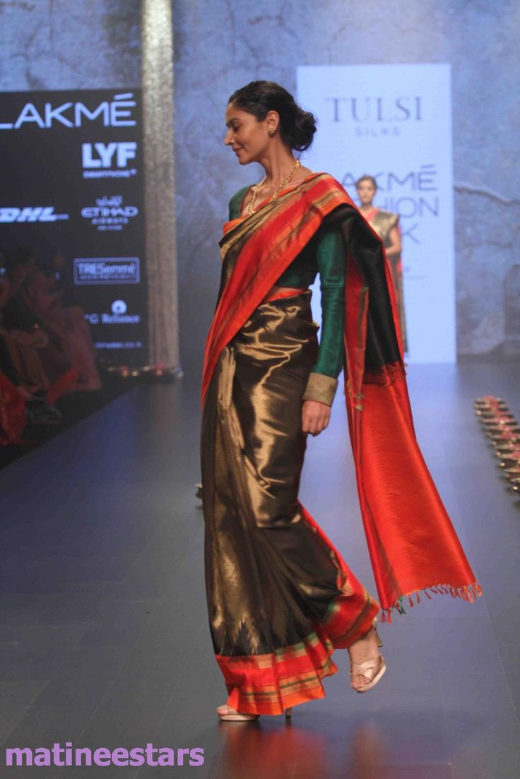 Models Walks For Santosh Parekh At Lakme Fashion Week Winter Festive 2016 - Hot Models Photo Gallery - High Resolution Pictures 21