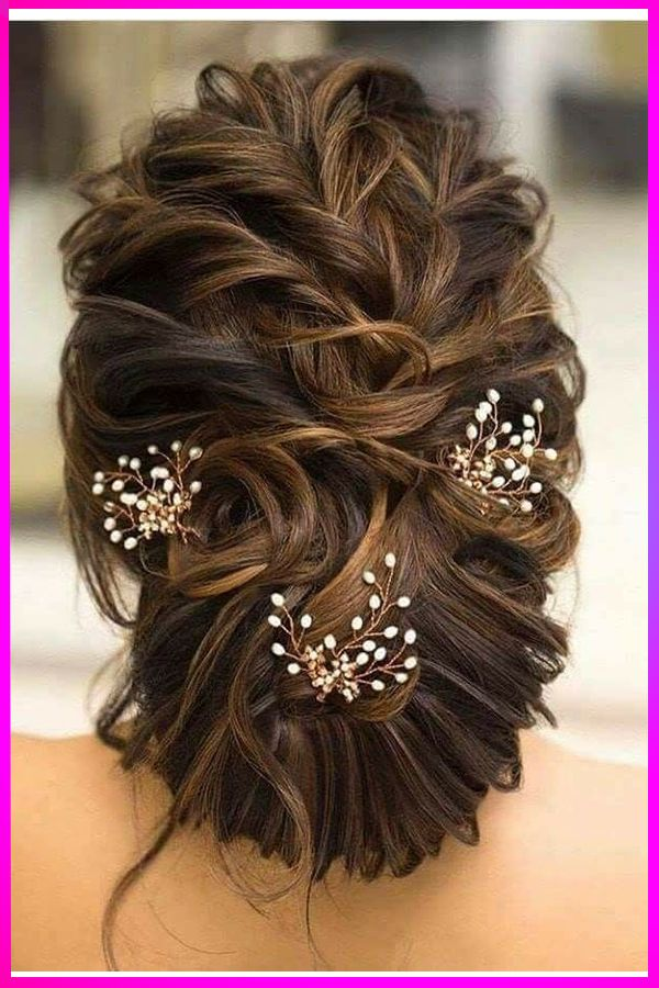 Lovely Long Curly Wavy Updo Hairstyles Ideas For Womens With Round Face In 2019 Bridal Hair Buns Hair Styles Long Hair Styles