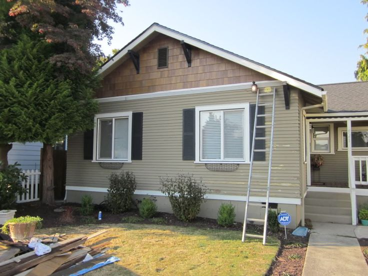 Best 25 beige house exterior ideas on pinterest blue for Tan siding shutter color combinations