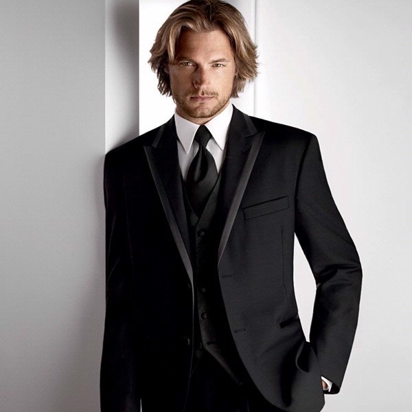 We R Starting To Lean More Towards A Formal Theme And Go With Clic All Black