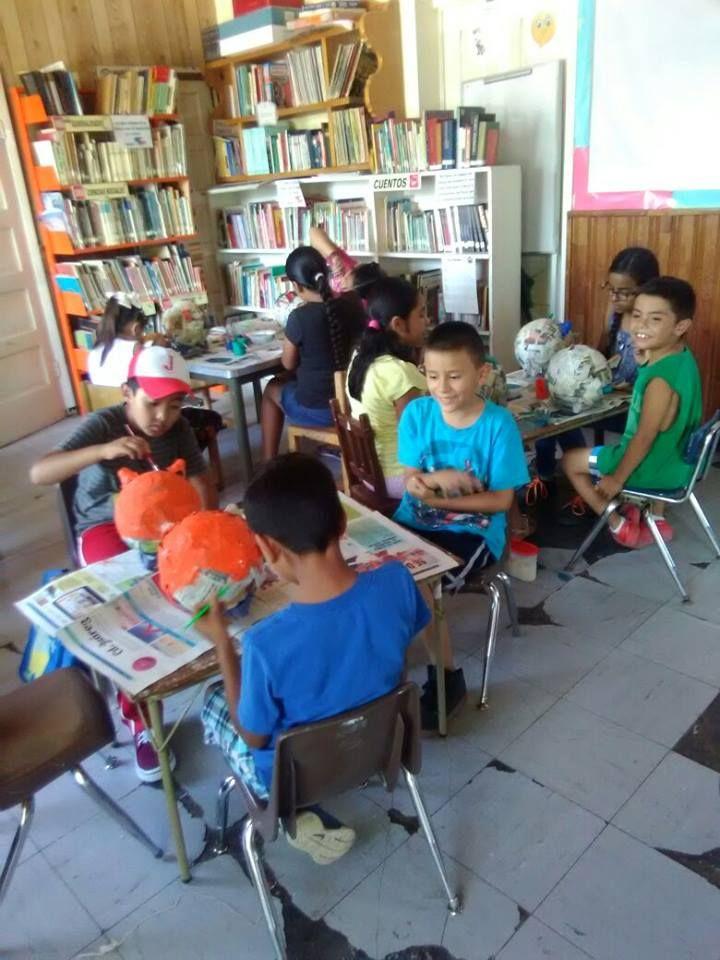 En días pasados, la alcaldesa Yesenia Reyes Calzadias, visitó a los niños que acuden a la Biblioteca Manuela Olivas de la cabecera municipal para...