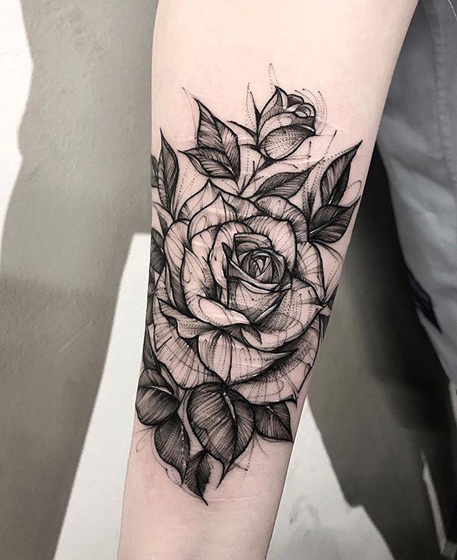 d3b5c915135c2 Search inspiration for a Blackwork tattoo.   tattoo art   Rose ...