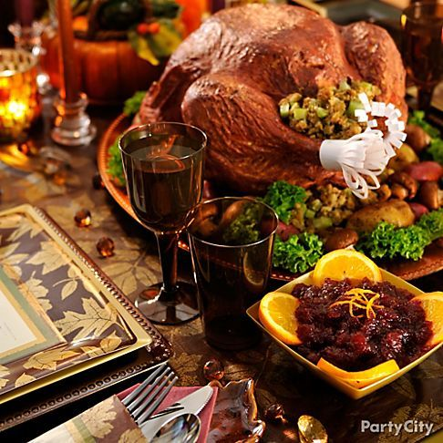 18 best thanksgiving decorating ideas images on pinterest for Thanksgiving dinner decoration ideas
