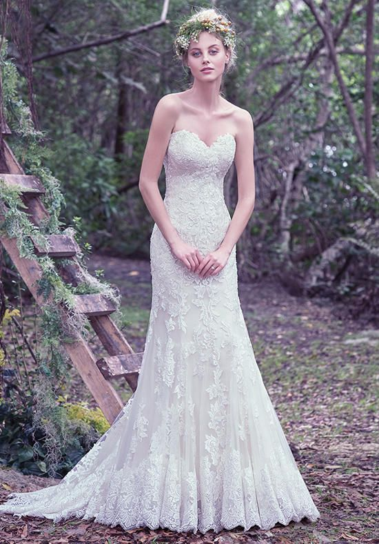 Strapless lace wedding dress with sweetheart neckline | Jennita from Maggie Sottero | http://knot.ly/649286vRj