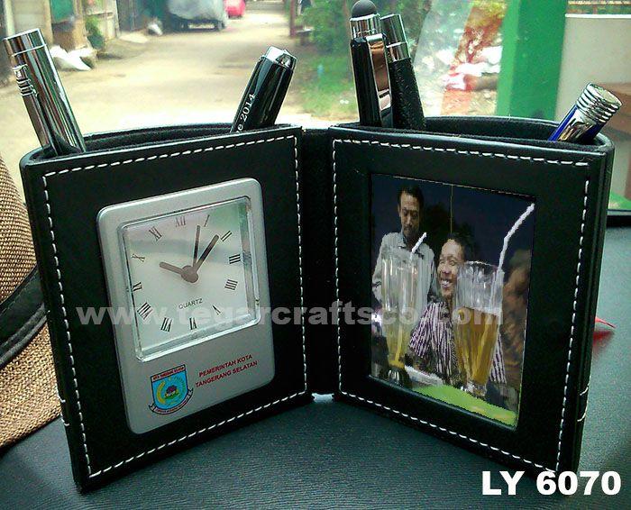 Analog desk clock type LY6070, size: of 11.5 x 10.7 x 10cm ordered by Pemerintah Kota Tangerang Selatan, Tangerang Banten Indonesia. A three kinds of souvenir in one objects: pen holder, deskclock & photoframe.
