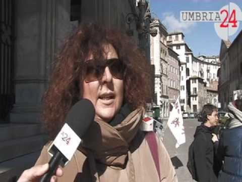 La madre di Federico Aldrovandi, la sorella di Stefano Cucchi, la sorella di Giuseppe Uva, a Perugia per sostenere i familiari di Aldo Bianzino. Guarda le videointerviste.