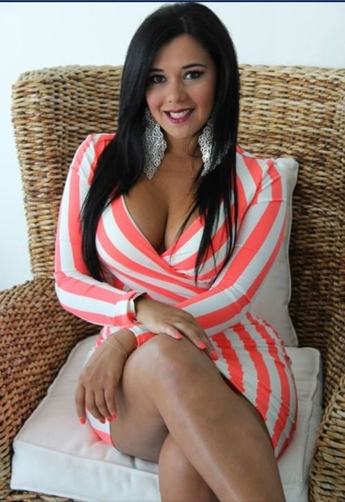 women latina Hot amateur curvy