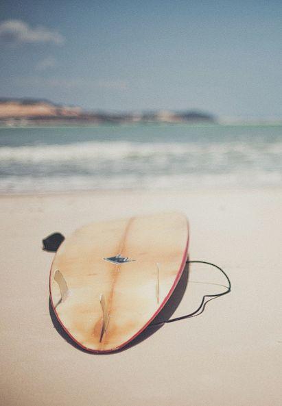 Borrow my brother's surfboard and teach my boyfriend to surf!! This summer... Hit the #beach ! #surf