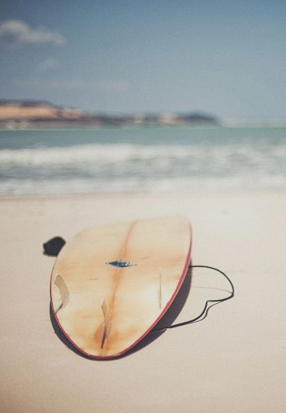 Borrow my brother's surfboard and teach my boyfriend to surf!! This summer... Hit the #beach ! #surf