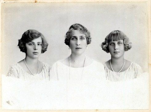 Queen Victoria Eugenia of Spain with her daughters, Beatriz and Maria Christina