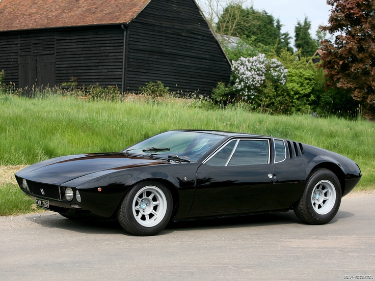 The Giorgetto Giugiaro designed de Tomaso Mangusta, with gull wing doors over the engine and luggage compartment