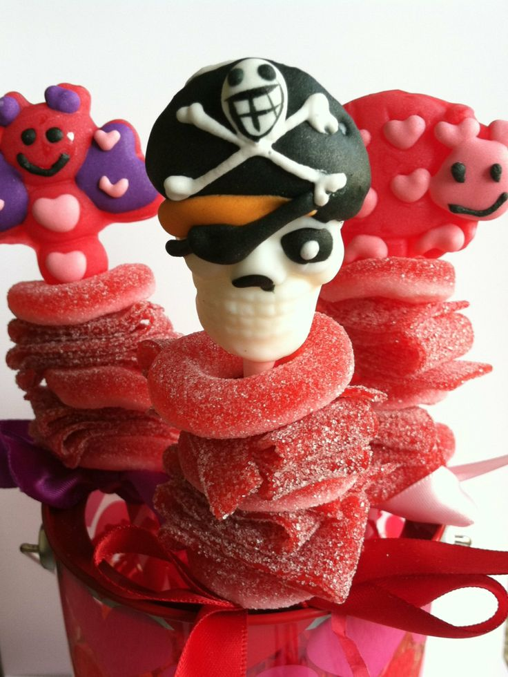 Valentine's Day mini candy kabob skewer by CandyWithATwist on Etsy, $16.50