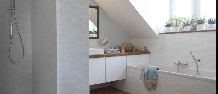 Le revêtement Element vous propose une alternative séduisante au carrelage mural, idéal pour la salle de bain. Ses décors associent la pureté du blanc à la brillance de la nacre, pour un résultat aussi élégant que lumineux. Element est 100% étanche, même quand il est soumis aux projections de la douche.