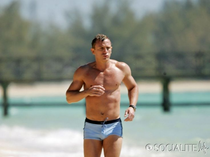 daniel craig casino royale bathing suit