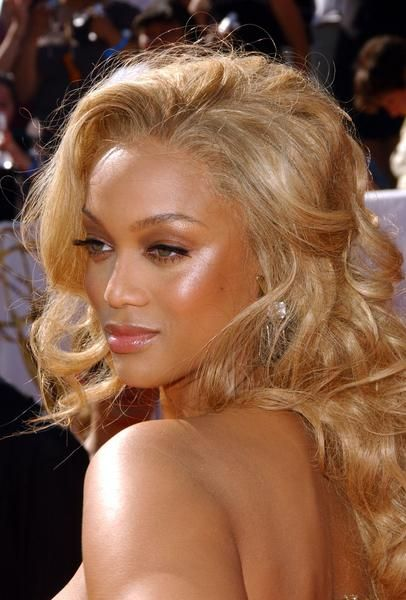 Tyra Banks' Makeup Looks #beautiful brown black foxy queen girl with blonde hair.#pin up #pinup