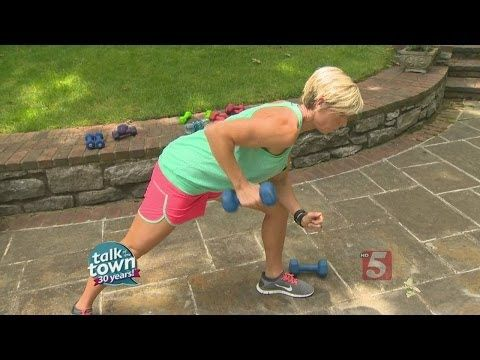 Carrie Underwood's Personal Trainer Shows Us Arm & Back Workout - YouTube