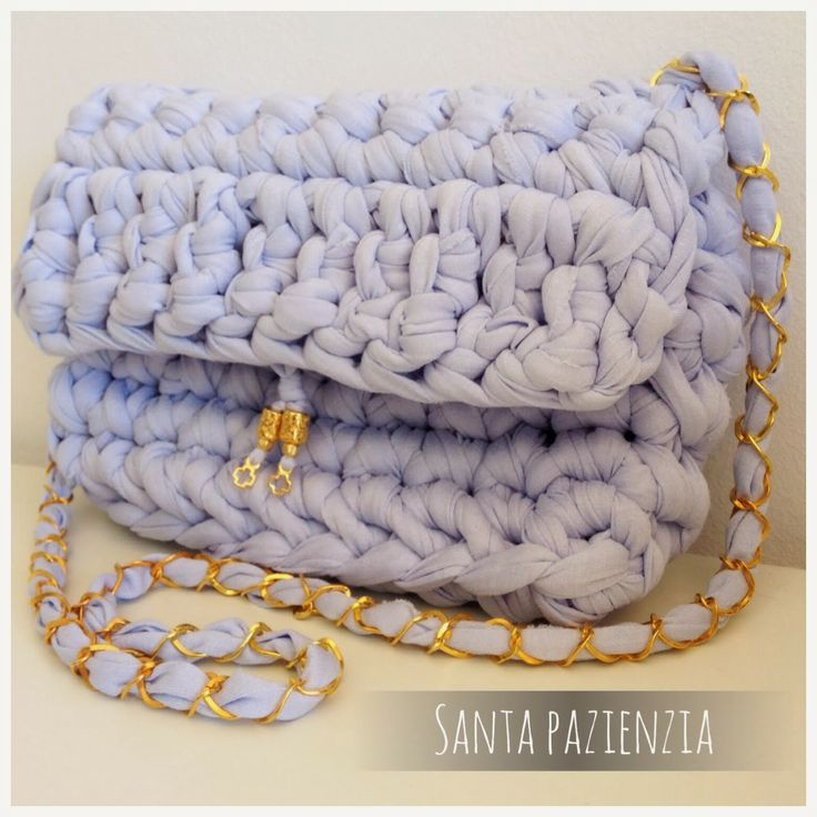 Nueva versión del Chanel 2.55 en el color de moda esta primavera | Santa Pazienzia