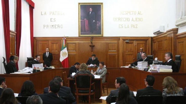 La Corte Suprema de México aprobó el consumo recreativo de la marihuana. La Sala Primera del tribunal falló a favor de cuatro mexicanos que solicitaron un amparo después de que las autoridades sanitarias les negaran la posibilidad de cultivar cannabis