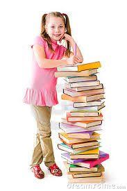 Een schoolkind is van 6 tot 12 jaar. Ze gaan naar de basisschool en leren daar lezen & schrijven.