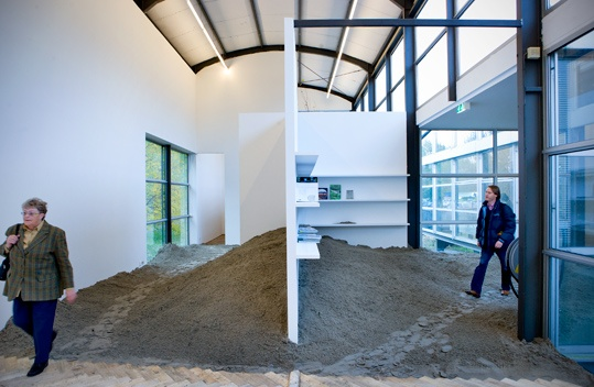 Artgineering (Stefan Bendiks & Aglaée Degros), Almeerder Zand (2008). © Gert Jan van Rooij, Museum De Paviljoens