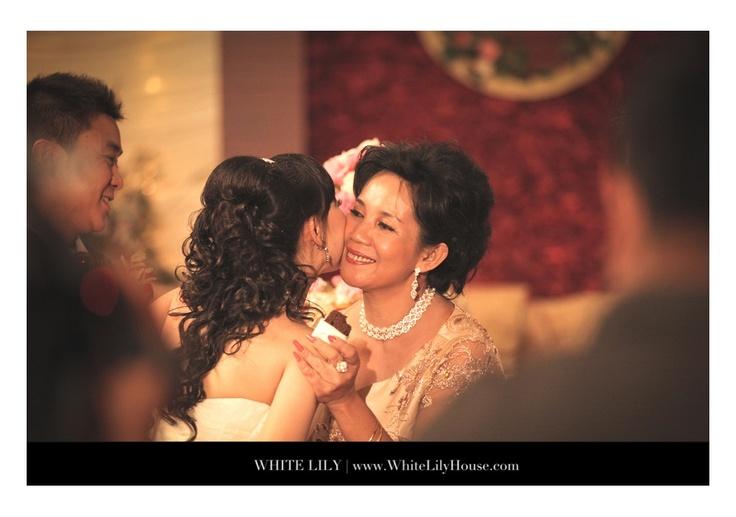 White lily wedding photography - Indonesia Wedding Photographer - www.facebook.com/whitelilyhouse - www.whitelilywedding.com