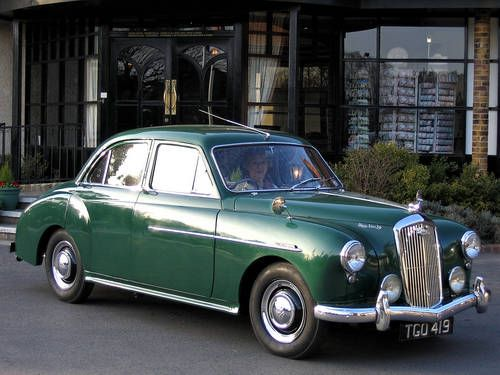 Wolseley 15/50 (1956) Maintenance of old vehicles: the material for new cogs/casters/gears/pads could be cast polyamide which I (Cast polyamide) can produce. My contact: tatjana.alic14@gmail.com