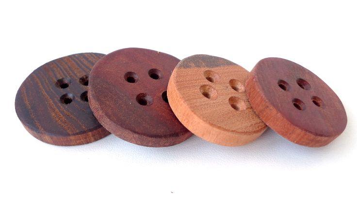 Timber hand made buttons 4-5cm
