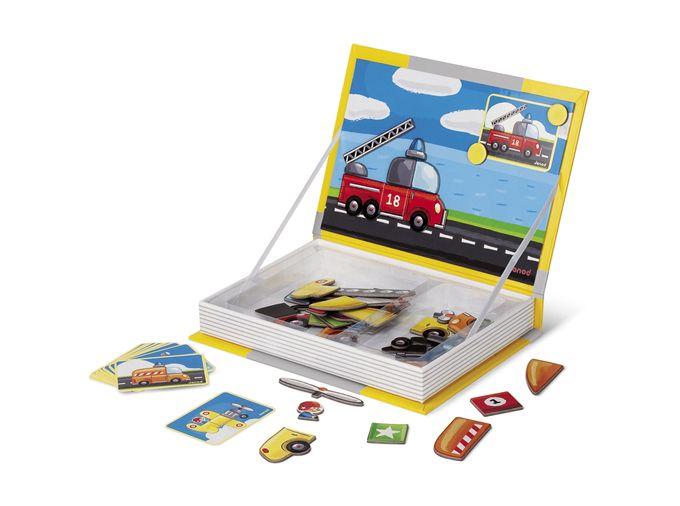 Stevig boek: je klapt het open en je hebt een magneetbord. Het boek bevat 18 kaarten met puzzel voorbeelden en 50  magnetische puzzel stukjes om deze  creaties te maken. Zo maak jij zelf prachtige voertuigen! magneetboek, magneetpuzzel, kinderkado, kraamkado, janod, voor onderweg, Janod magneetboek auto's, villa flodder