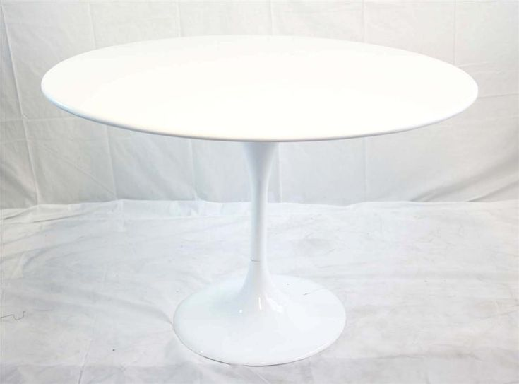Modern white round pedestal dining table modern round for White round modern dining table