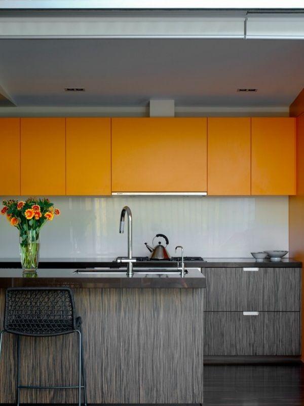 Mini Küchenzeile Essbereich Bartheke Holzfurnier Verkleidung Orange Schränke
