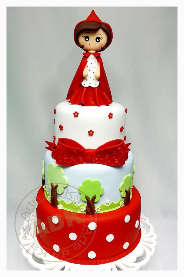Cake. Spotty tier is simple. Trees can make in advance. Love the bow, different little red tho