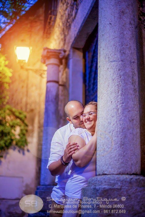 Sensuum Boutique © #prebodas . Primera toma de contacto con las #parejas previo a la  #boda #LolayManuel #Merida #Caceres #Badajoz #extremadura #amor #love #boda #wedding #bodaExtremadura #meridafotografos #felicidad #sensuumfotografos #fotografosdemerida #bodamerida #novio #novia #beso #kiss #Lola #Manuel #bodaschic #bodaoriginal #vintage #madera #mecaso #siquiero #tequiero #prontomecaso #caricia #sentimientos #ternura #noche #rustico #pasion  sensuumboutique@gmail.com tlf…