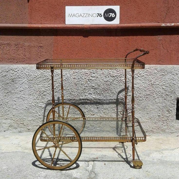 Carrello in ottone con due piani on cristallo. 1960 Ottime condizioni  #magazzino76 #viapadova #Milano #antiquariato #arredamento #modernariato #vintage #design  #M76 #carrelloottone #welcomehome #mobili #modernfurniture #carrello #ottone #compromodernariato #acquistomodernariato #comprodesign #acquistodesign #sofa #arredovintage #arredodesign  #solocoseoriginali #classicismo #compromodernariato #acquistomodernariato