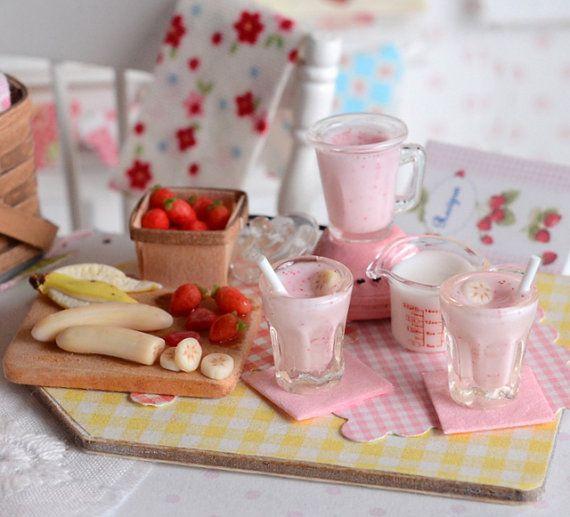 ♡ ♡Miniature Making Strawberry Banana Smoothies