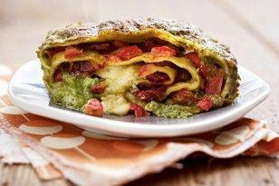 Das Rezept für Pastarolle mit Feldsalatpesto und weitere kostenlose Rezepte auf LECKER.de