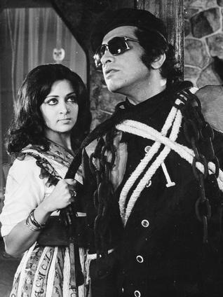 Hema Malini and Manoj Kumar.