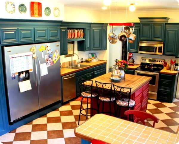 full-fridge/full-freezer combo: Colors Combos, Absolutely Kitchens, Dreams Houses, Kitchens Colors, Cabinets Colors, Kitchens Redo, Awesome Kitchens, Colors Schemes, Colors Kitchens