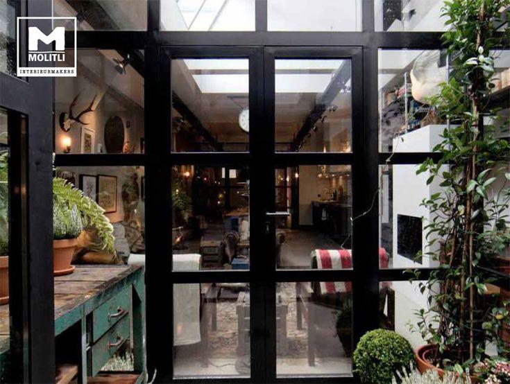 Waanzinnig trots op dit project; prachtige stalen puien en lichtstraat IN een prachtig oud pand, hartje Amsterdam. www.molitli-interieurmakers.nl