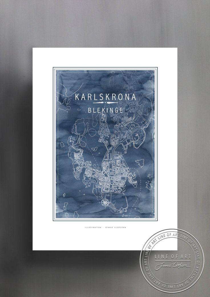 KARLSKRONA | BLEKINGE | BLÅ | © Line of Art by Jennie Elofsson Handtecknad karta med djupblå akvarell i bakgrunden. Finns i åtta färger och tre storlekar. In och hitta din favorit!    Hand-drawn map with a soft blue watercolor background. Available in eight colors and three sizes. Find your favorite!    Kartposter, map poster , print , poster , art print, illustration, lineofart, kalkfärg