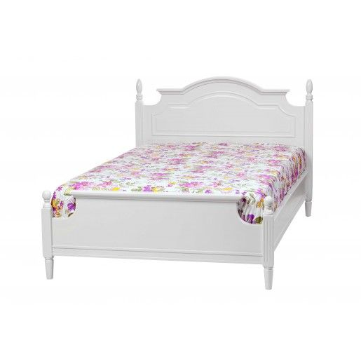 This Montpelier White Painted bed is an exquisite rollback and tribute to the classic designs of the last century. The white finish brings a sense of calm and sophistication to the ambiance in the bedroom. #homedecor #beds #white #furniture #handmade #wooden