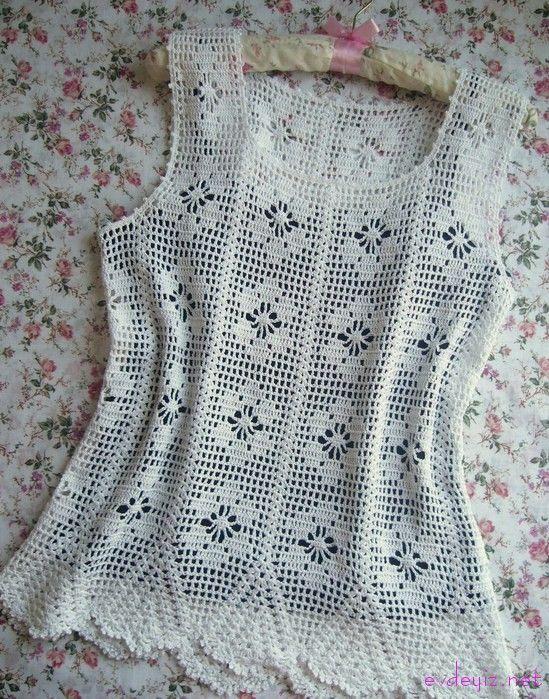 Bayanlara Tığ Işi çiçek Motifli Askılı Beyaz Bluz Modeli