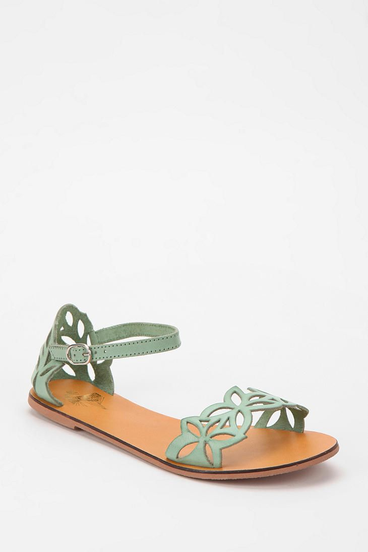 Kimchi Blue Daisy Cutout Sandal