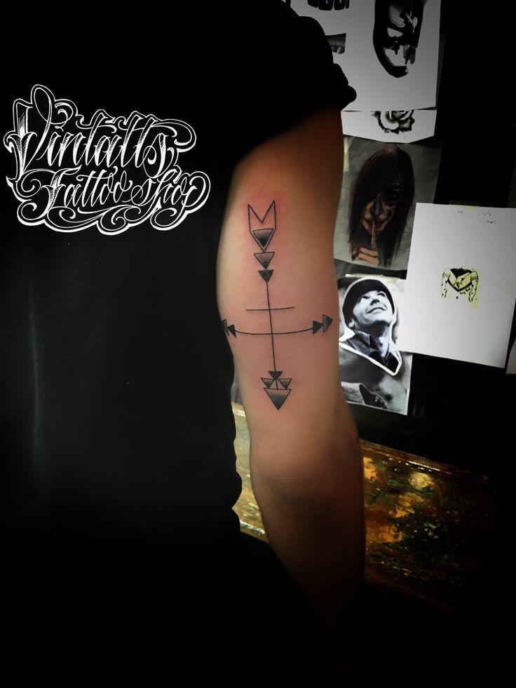 arrow geometric tattoo