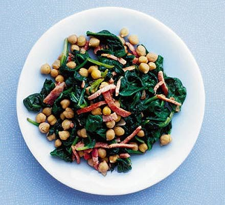 Hot chickpeas with spinach & bacon. 97 kcalories