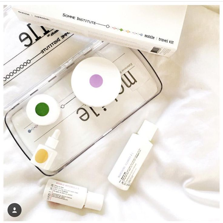Need to get Mom something and in a bind? Instead of the same techie stuff, change it up a bit and #surprise her with SOMME's award-winning Mobile skin care kit! We guarantee she'll love it! $85 @spacenkusa @anthropologie @nordstrom  Credit: @damselflavored  #mothersday #lookyounger #loveyourskin #girlyoudontneedmakeup #sommeinstitute #sommeskincare #somme #mdt5 #antiaging #awardwinning #spacenkusa #anthrobeauty #anthropologie #nordstrombeauty #nordstrom