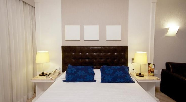 Bristol International Airport Hotel Guarulhos Located in Guarulhos city centre, the Bristol Dobly International Hotel offers easy access to the Presidente Dutra Highway and shuttle service to Guarulhos International Airport based on availability.