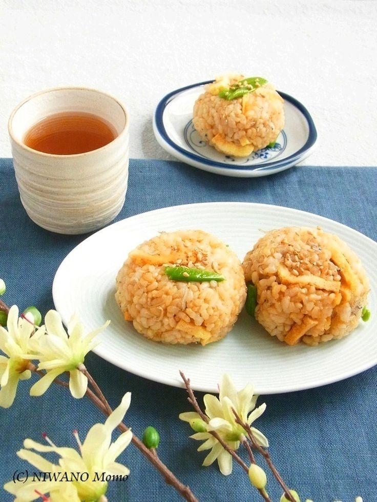 じゃこと油揚げの香ばし玄米オイルおにぎり by 庭乃桃   レシピサイト「Nadia   ナディア」プロの料理を無料で検索