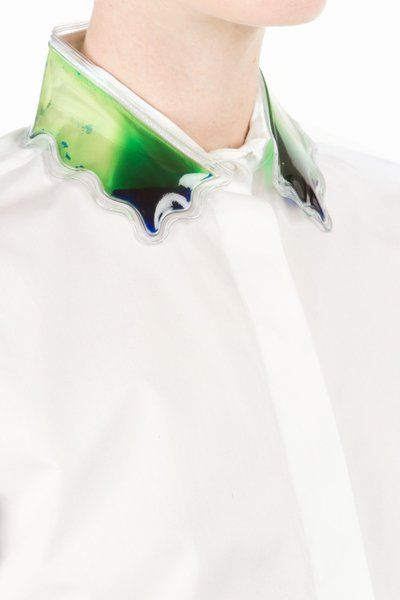 shirt with liquid-filled plastic collar • christopher kane us $1050,00